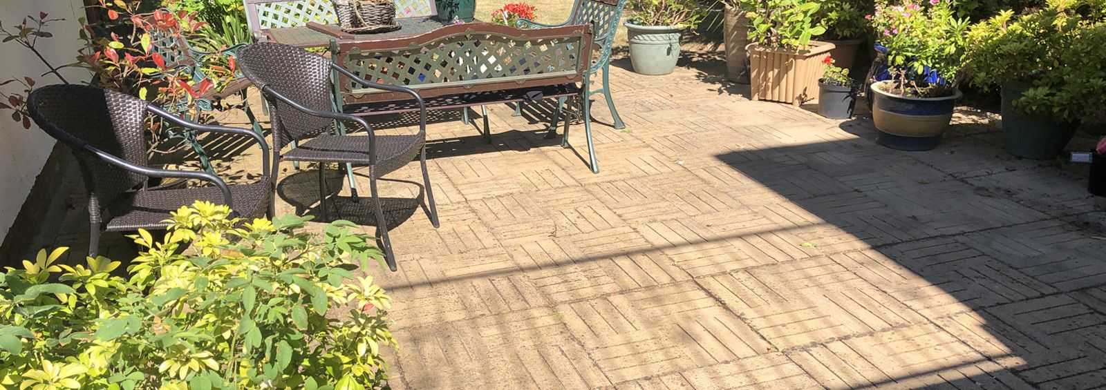 professional patio cleaner conwy