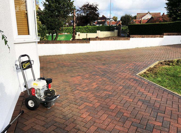 block paving driveway cleaning conwy